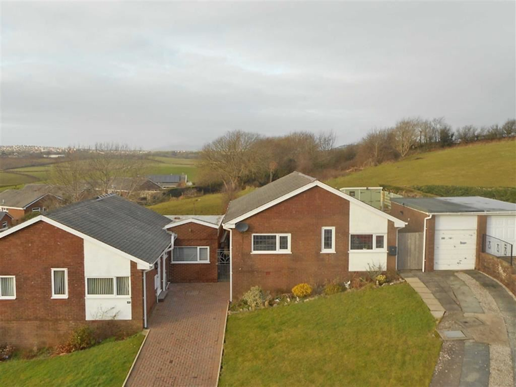 3 Bedrooms Detached Bungalow for sale in Hawthorn Drive, Barrow-in-Furness, Cumbria