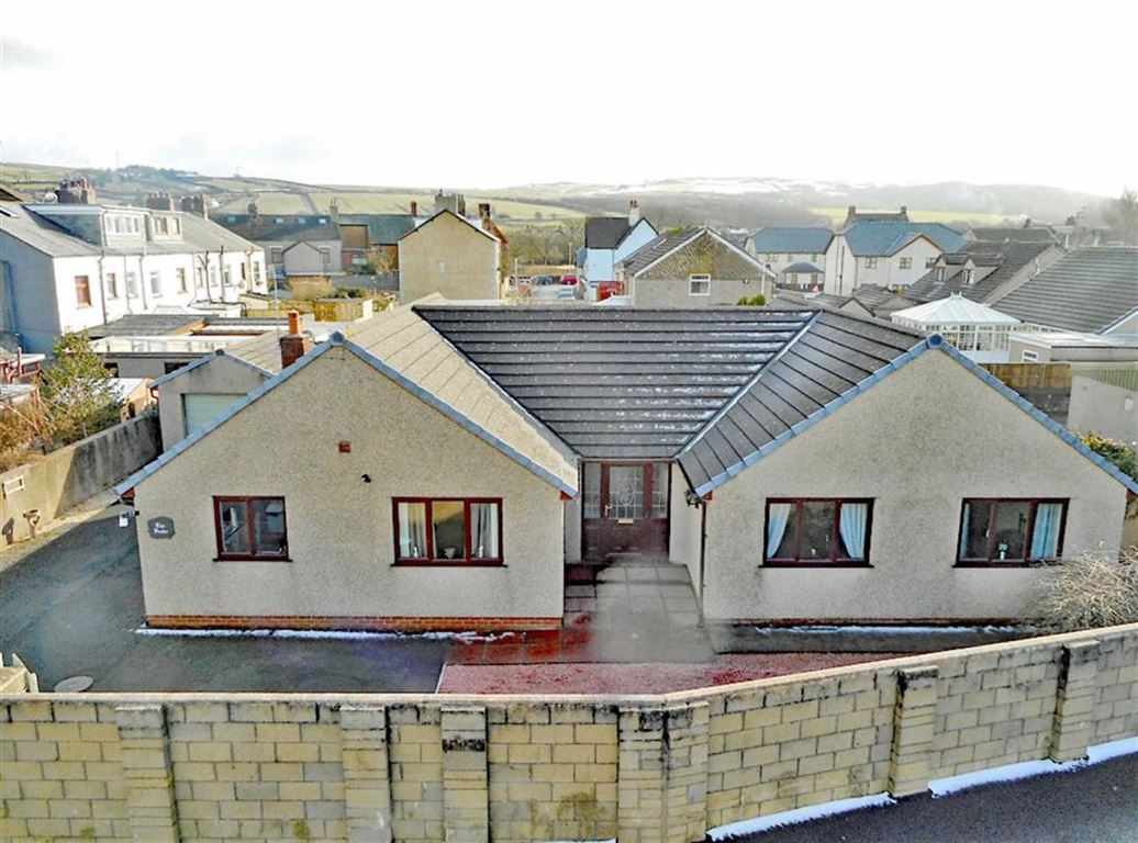 4 Bedrooms Detached Bungalow for sale in Lord Street, Askam-in-Furness, Cumbria