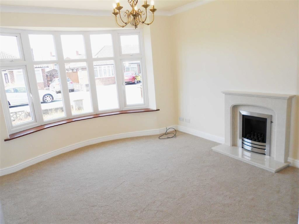 2 Bedrooms Semi Detached Bungalow for sale in Marley Ave, Crewe, Cheshire