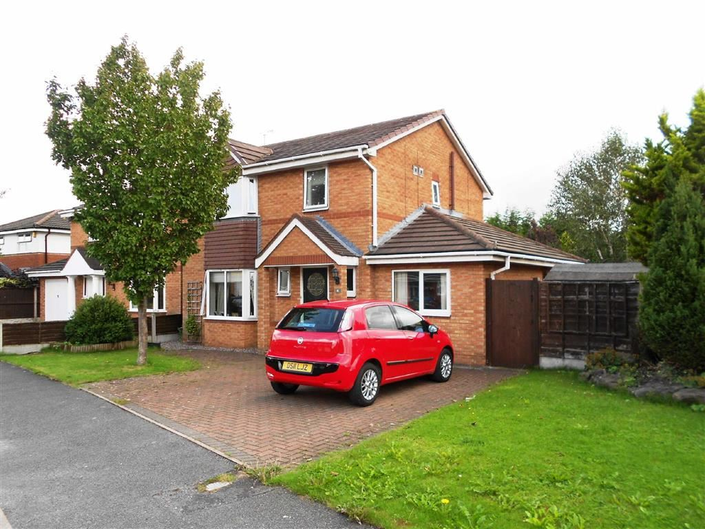 3 Bedrooms Property for sale in Lambourn Drive, Leighton, Crewe, Cheshire