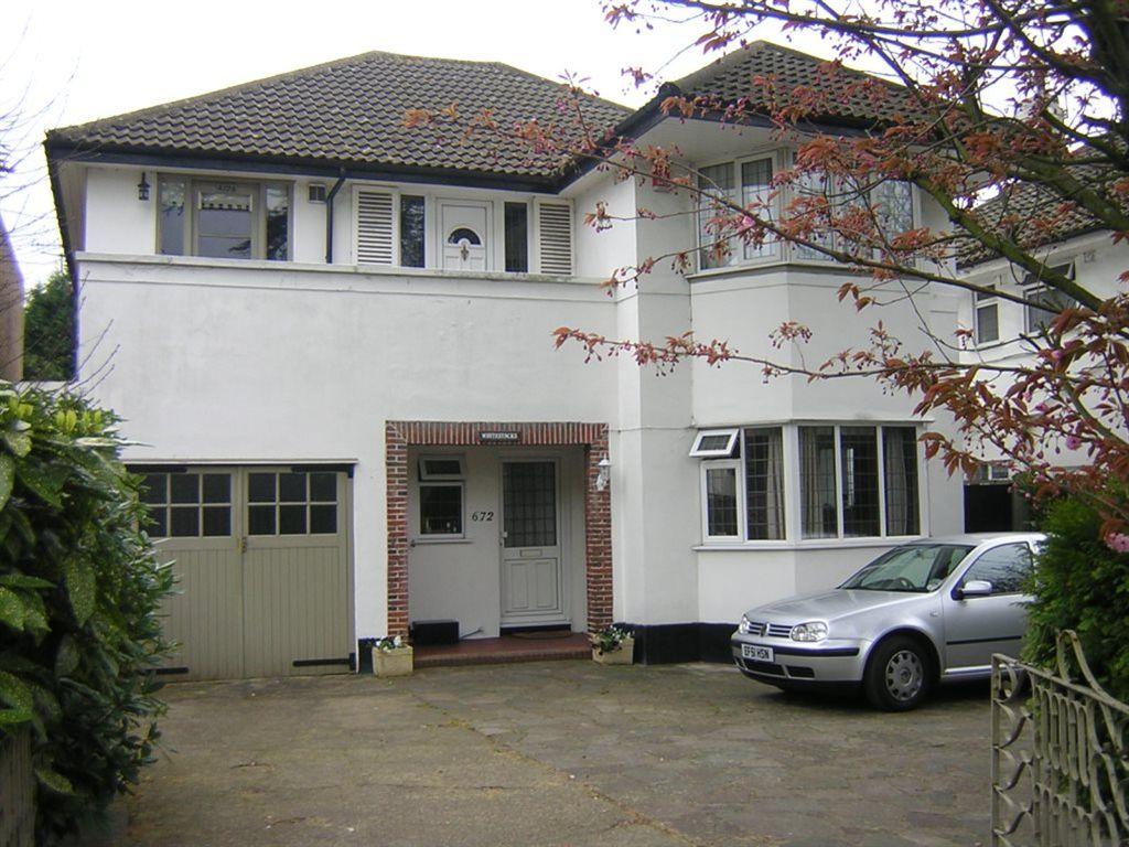Buckhurst Hill, IG9