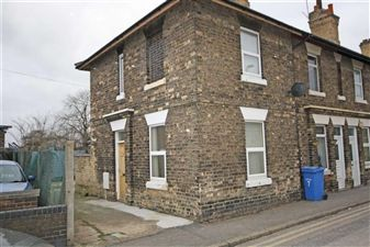 Property image of home to let in Station Cottages, Retford