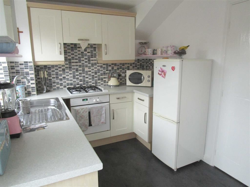 2 Bedrooms Property for sale in Moundsfield Way, Cippenham, Berkshire