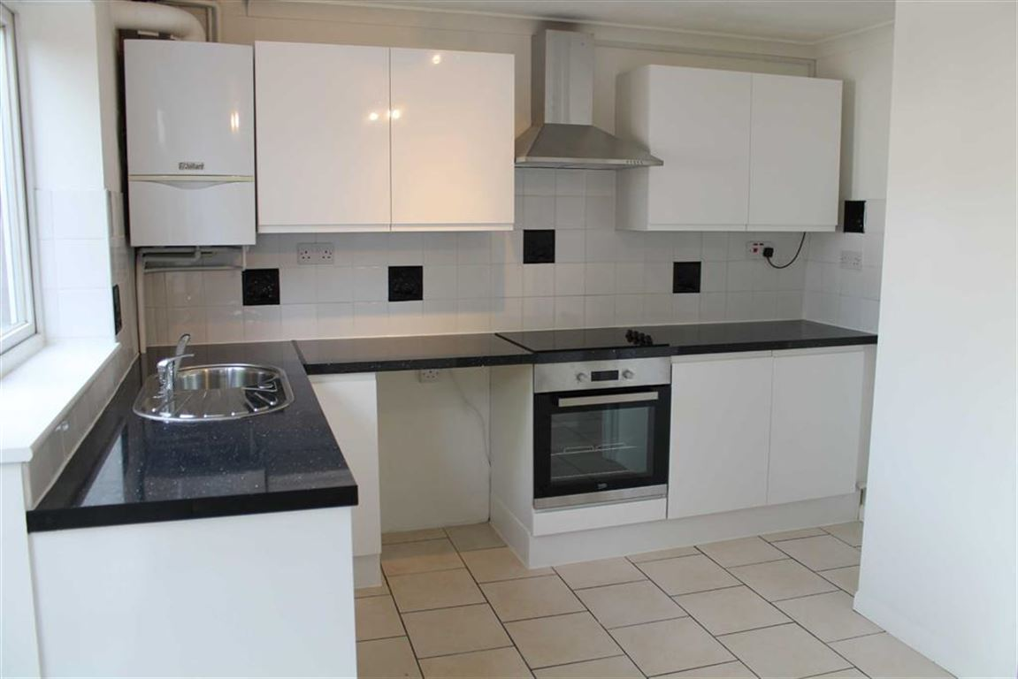 3 Bedrooms Terraced House for sale in Hag Hill Rise, Taplow