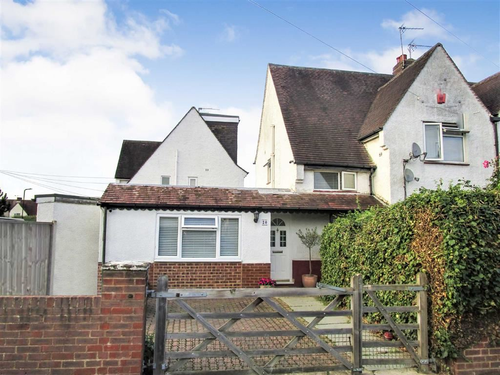 3 Bedrooms Semi Detached House for sale in Marina Way, Slough, Berkshire