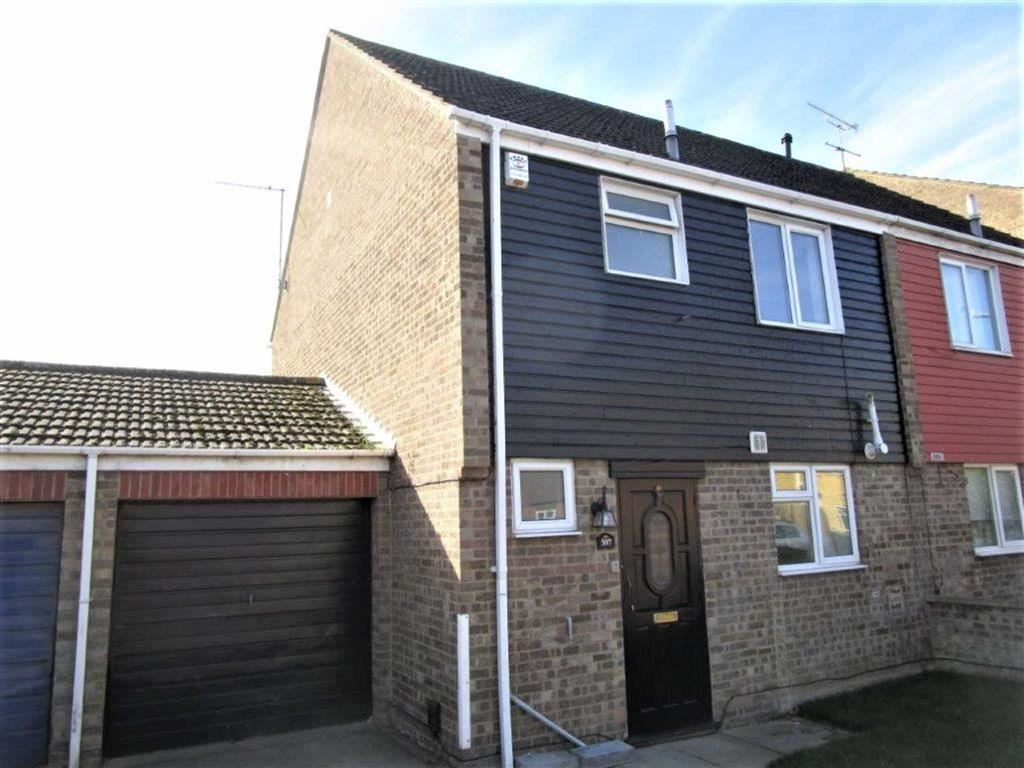 3 Bedrooms Semi Detached House for sale in Rochford Gardens, Slough, Berkshire