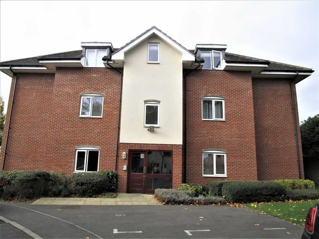 2 Bedrooms Flat for sale in Jupiter Court, Cippenham, Berkshire