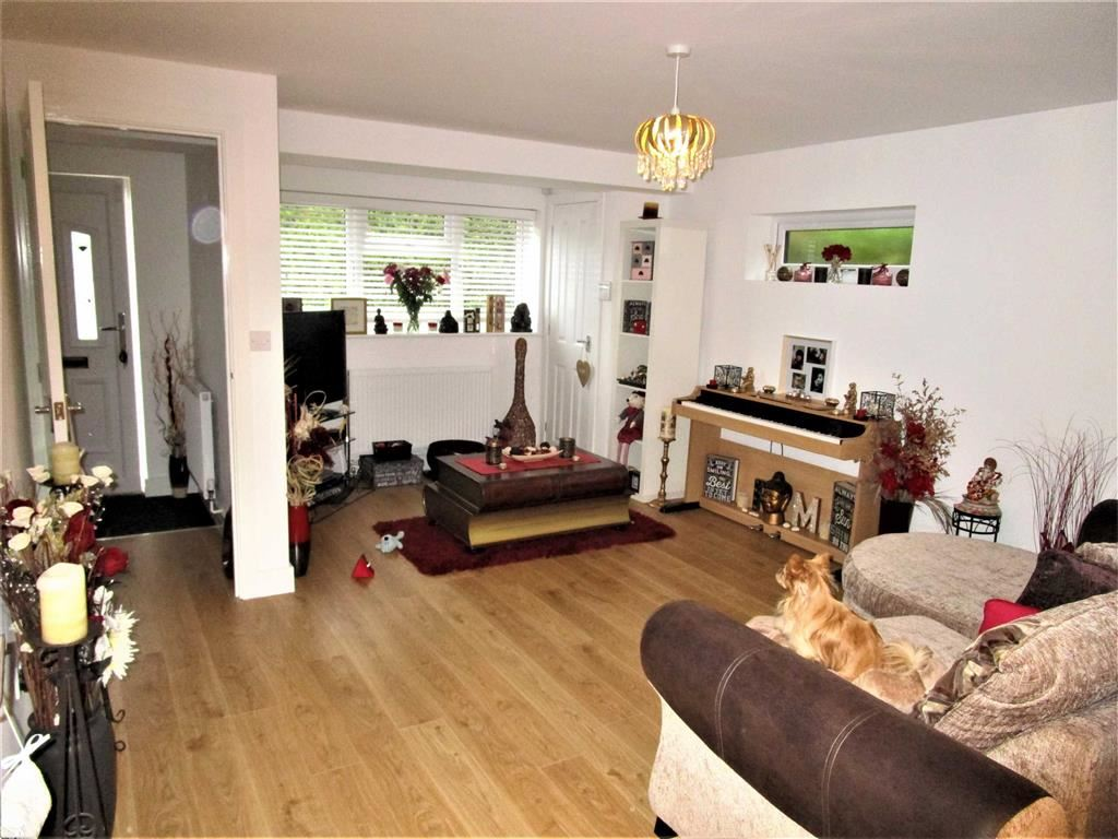 2 Bedrooms End Of Terrace House for sale in Vine Road, Slough, Berkshire