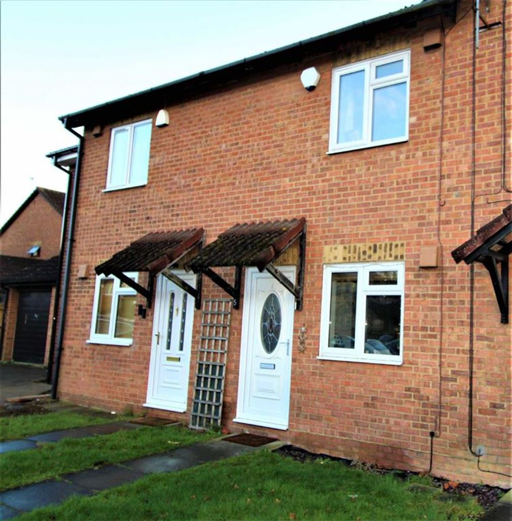 2 Bedrooms Terraced House for sale in Moore Close, Slough