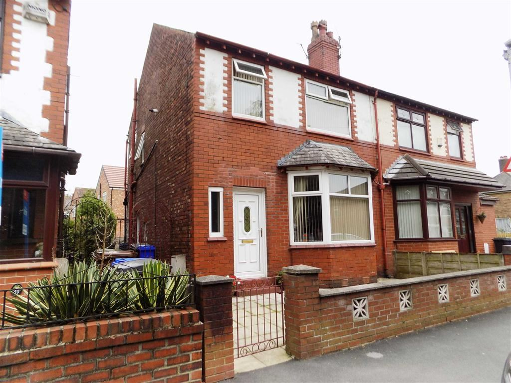 3 Bedrooms Semi Detached House for sale in Thornley Lane North, Stockport