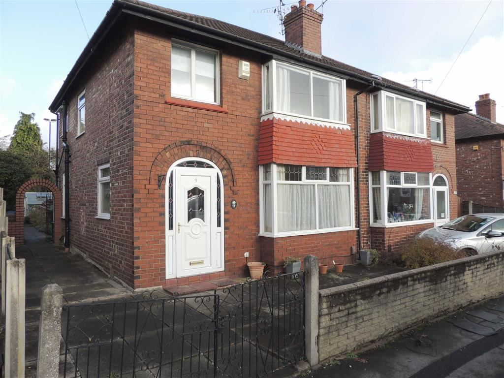 3 Bedrooms Semi Detached House for sale in Beech Avenue, Hazel Grove, Stockport