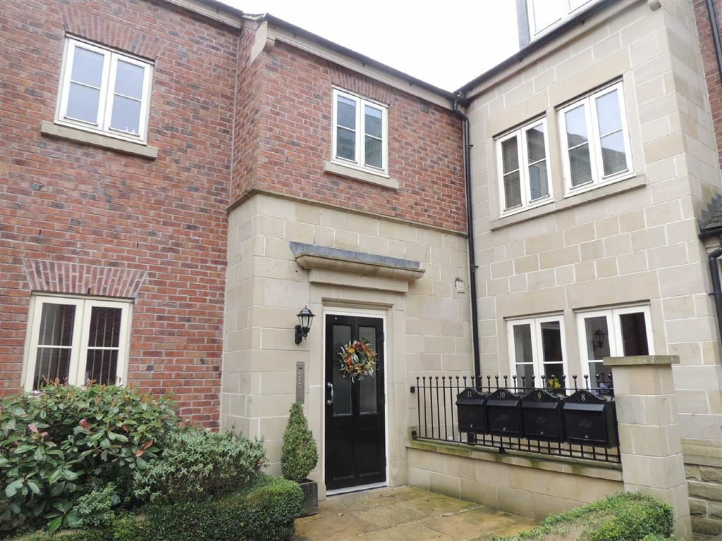 2 Bedrooms Flat for sale in Redbrow Hollow, Compstall, Stockport