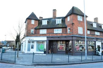 Property in Market Place, N2