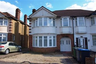 Property in Highfield Avenue, , Kingsbury, NW9 0PY
