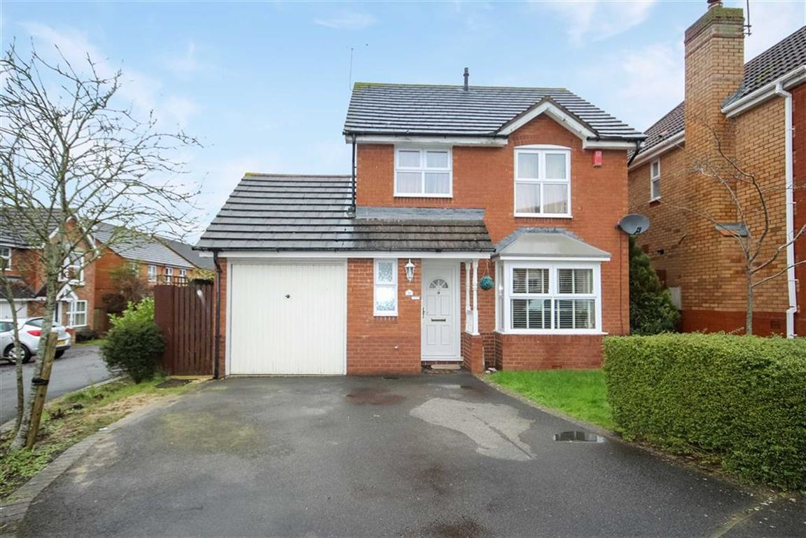 3 Bedrooms Detached House for sale in Tower Road, Peatmoor, Swindon