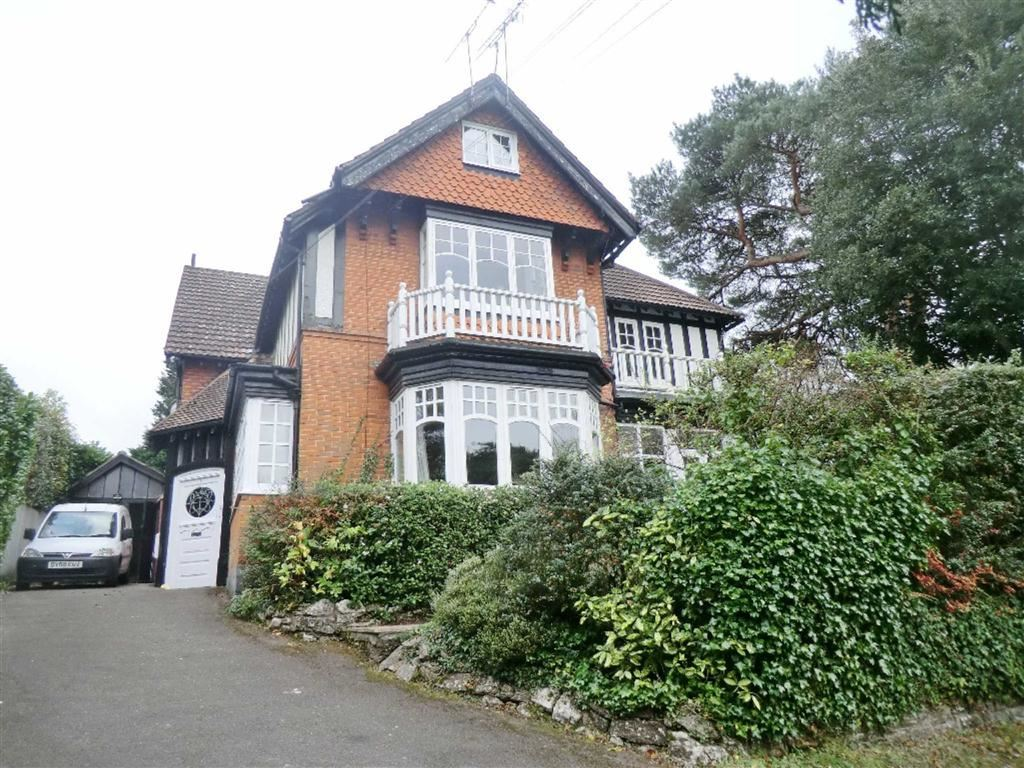 2 Bedrooms Flat for sale in Meyrick Park Crescent, Bournemouth, Dorset