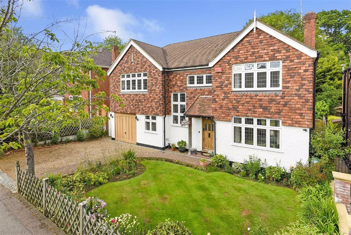 Woodlea Drive,  Bromley