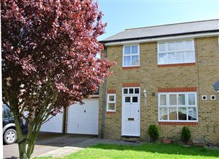 Property image of home to let in St Georges Road, Sandwich