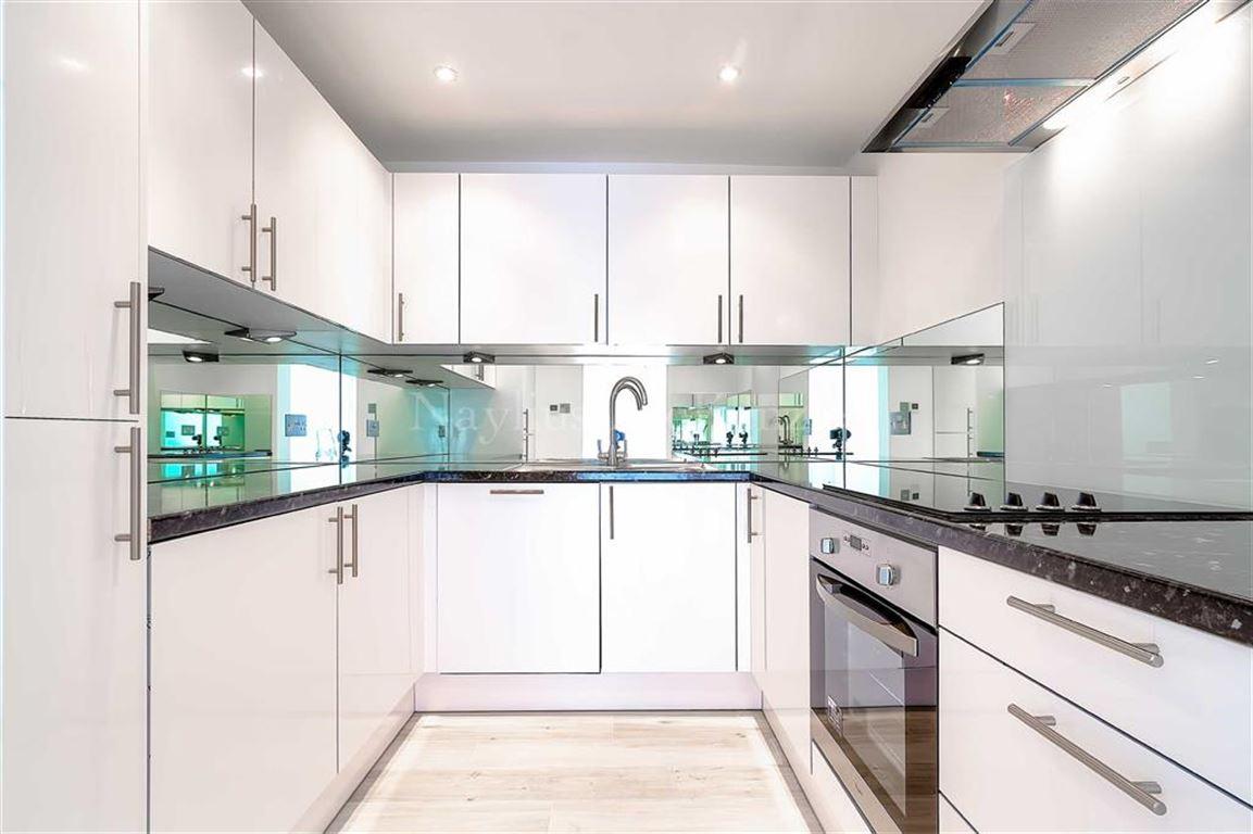 1 Bedroom Flat for sale in Adelaide Road, Belsize Park, NW3