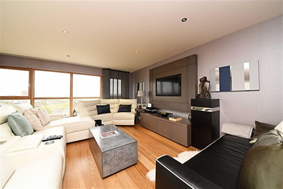 3 Bedrooms Flat for sale in Heritage Avenue, Colindale, London