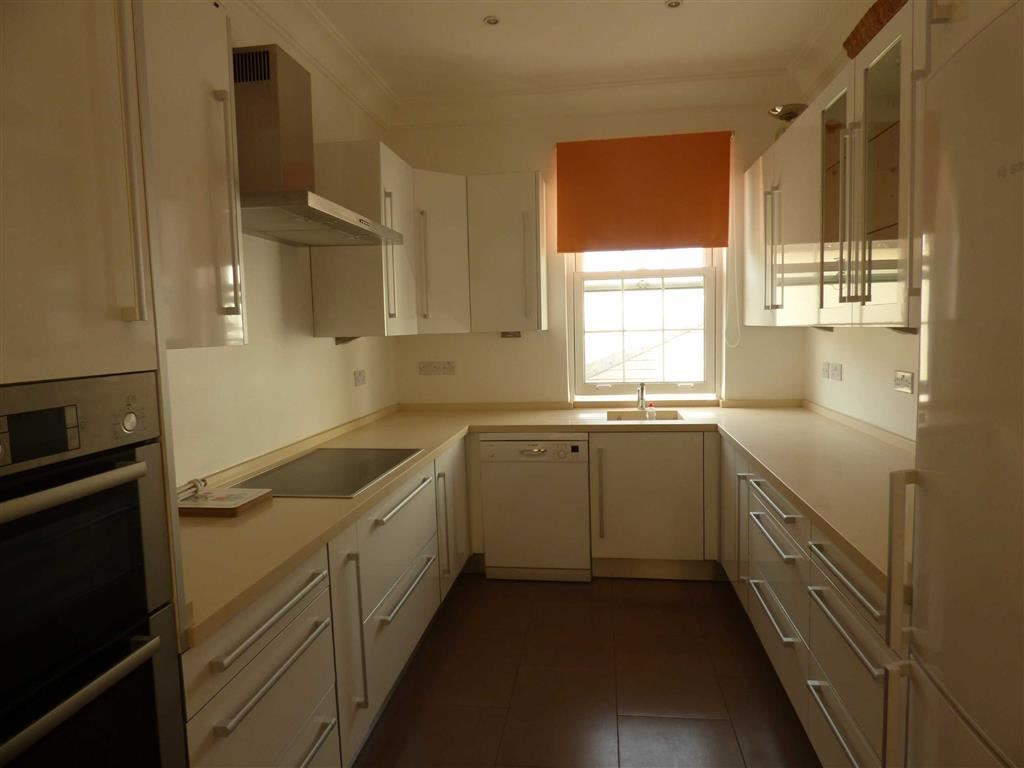 House in Town Area To Let
