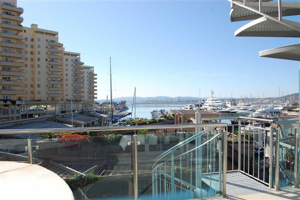 Apartment in Ocean Village To Let