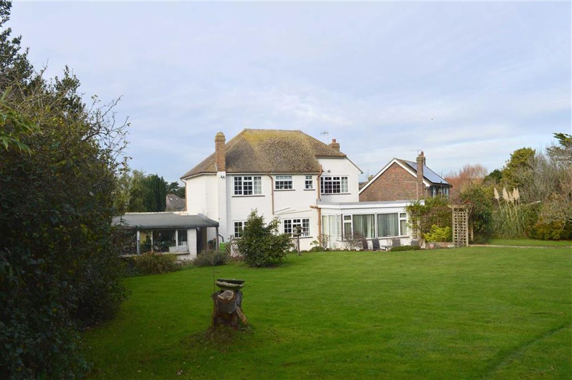 4 Bedrooms Detached House for sale in Lullington Close, Seaford, East Sussex