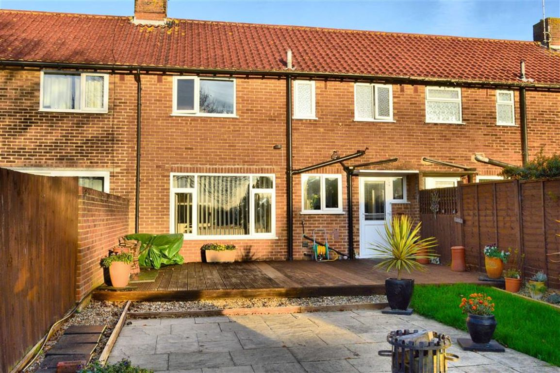3 Bedrooms Terraced House for sale in Saltwood Road, Seaford, East Sussex