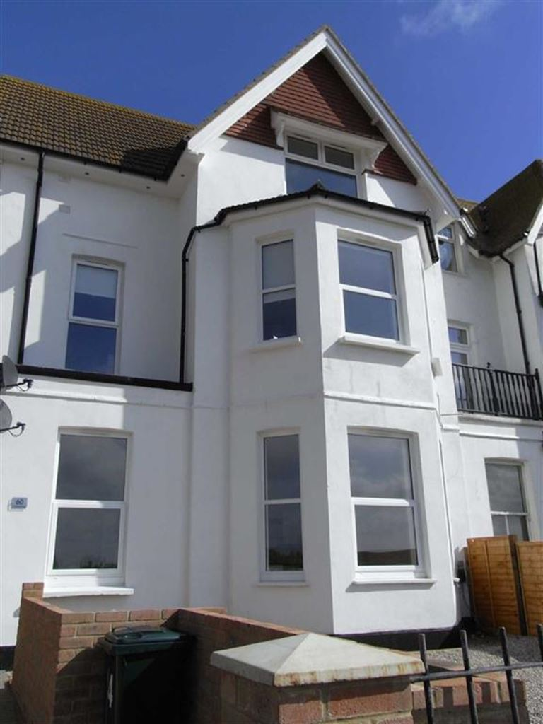 2 Bedrooms Flat for sale in Claremont Road, Seaford, East Sussex