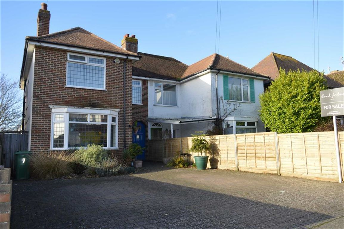 3 Bedrooms Semi Detached House for sale in Kedale Road, Seaford, East Sussex