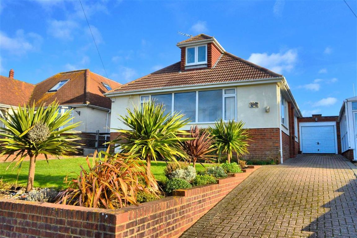 4 Bedrooms Chalet House for sale in Marine Drive, Bishopstone, East Sussex