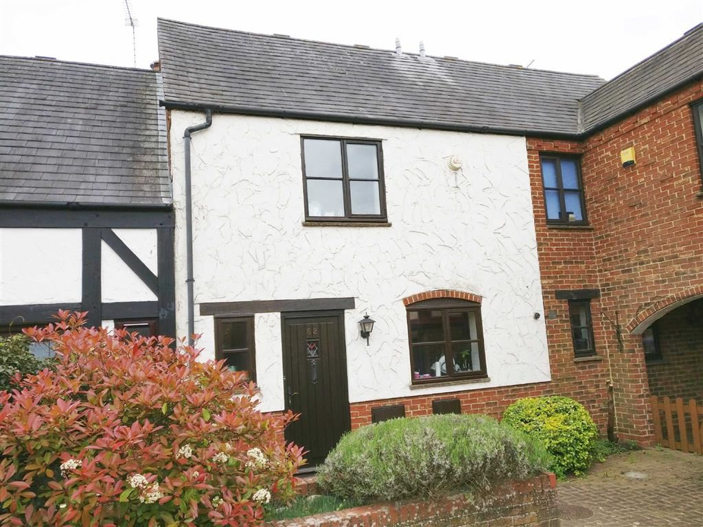 Bishops Cleeve - 3 Bed House - End Terrace