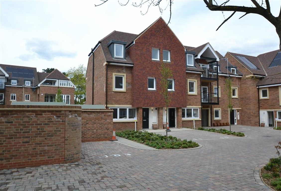 Broadwater Gardens,  Orpington