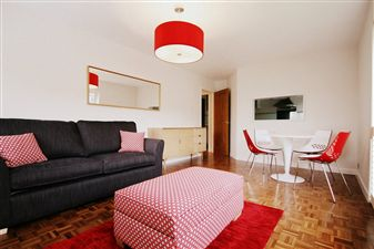 Property in Dudley Court, Rogers Street, Summertown