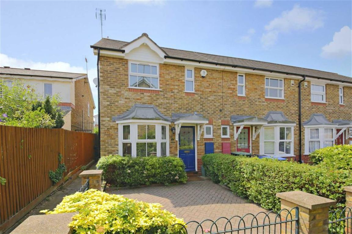 2 Bedrooms Property for sale in Chadwick Avenue, Winchmore Hill, London