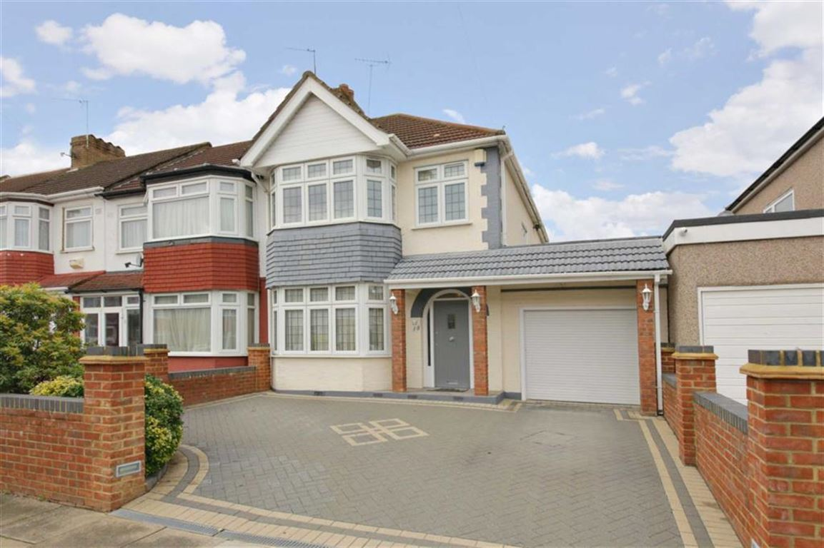 3 Bedrooms End Of Terrace House for sale in Rylston Road, Palmers Green, London
