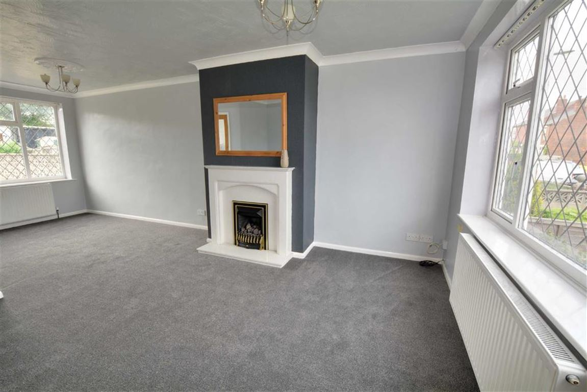 3 Bedrooms Property for sale in Prince Street, Allerton Bywater, Castleford, WF10