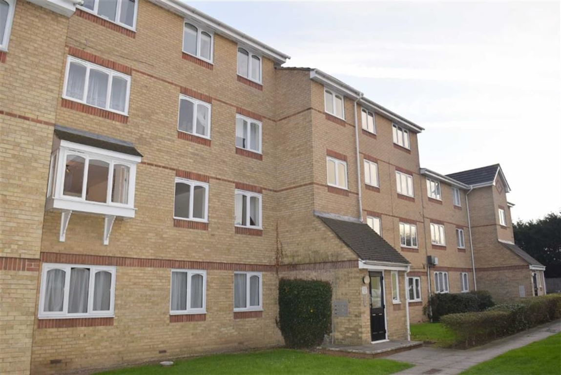 2 Bedrooms Flat for sale in The Glen, Basildon, Essex