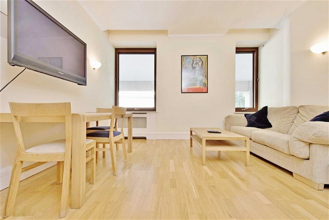 1 Bedroom Apartment Flat for sale in Whitehouse Apartments, South Bank, London