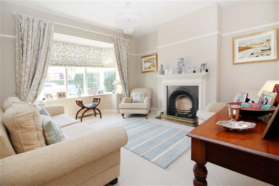 4 Bedrooms Semi Detached House for sale in St John's Road, Driffield, East Yorkshire