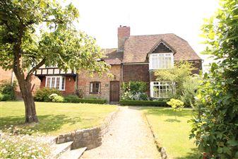 Property in Upper Street, Hollingbourne, Kent, ME17 1UH