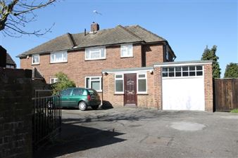 Property in Loose Road Maidstone Kent ME15 9UB