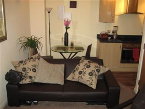 1 bedroom Cottage to rent in Leeds