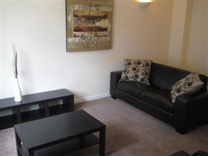 2 bedroom Cottage to rent in Leeds