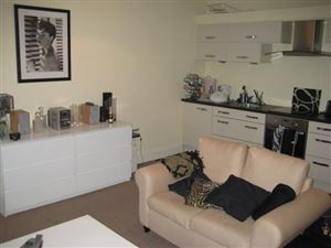 2 bedroom Apartment to rent in Leeds