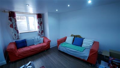 10 bedroom Flat to rent in Leeds