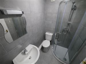 3 bedroom Flat to rent in Leeds