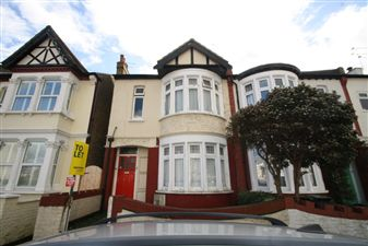 Property image of home to let in Silverdale Avenue, Westcliff On Sea