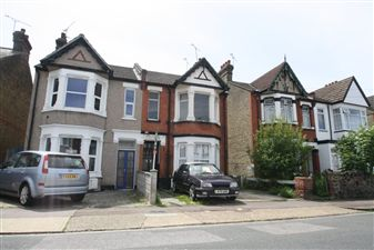 Property image of home to let in Claremont Road, Westcliff-On-Sea
