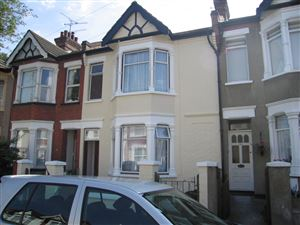 Property image of home to let in Rochford Avenue, Westcliff On Sea